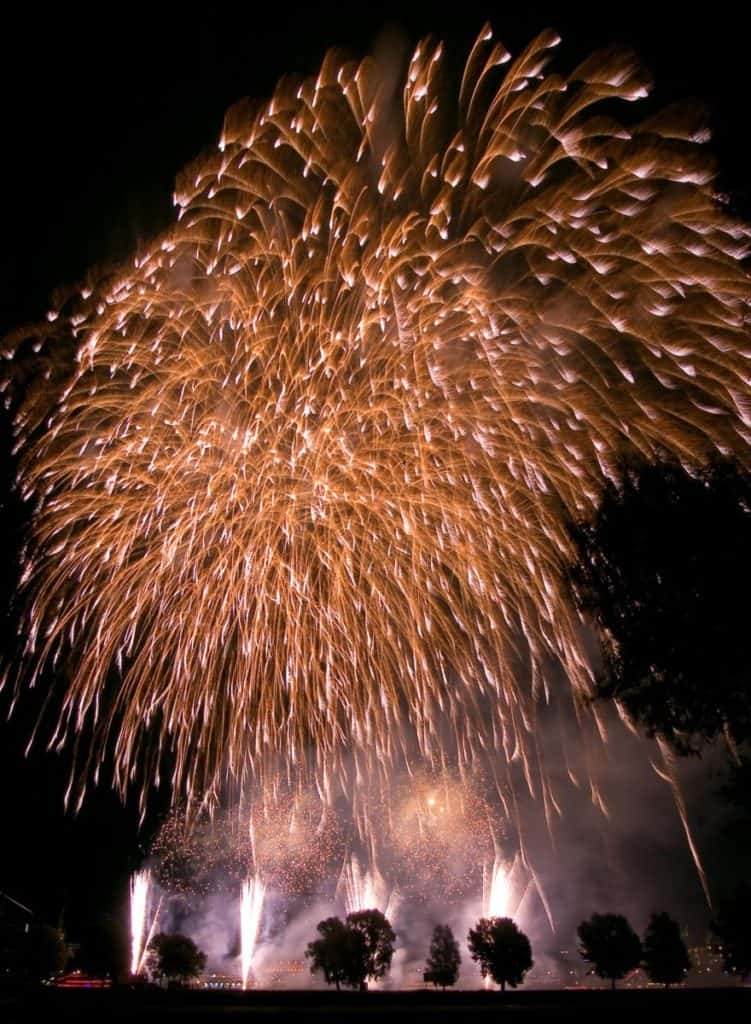 Duesseldorf Firework 2007 751x1024 - SPECIAL Romeo & Julius am 23.07.2021: Alt  aber noch gut!!!