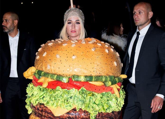 katy - Romeo & Julius am Freitag, 10 Mai: Burger brutzeln