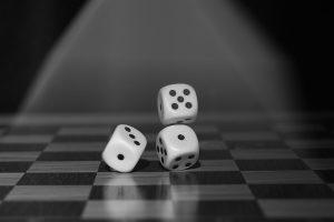 roll the dice 1502706 960 720 300x200 - Romeo & Julius am Freitag den 26.05.2017: Wieder mal Spieleabend!